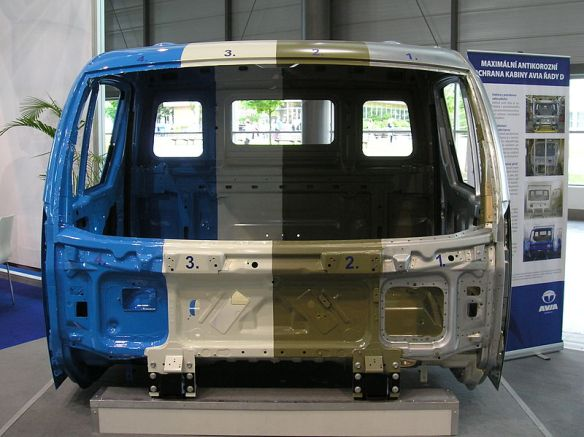 Truck cab with 4 paint surface coatings